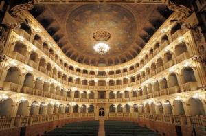 teatro-comunale-di-bologna